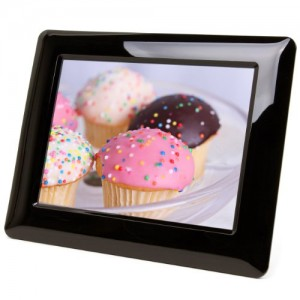 Micca M703 7-Inch 800×600 High Resolution Digital Photo Frame With Auto On/Off Timer (Black)